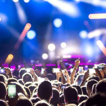 Você conhece todos os hits que vão embalar o #LollaBR?