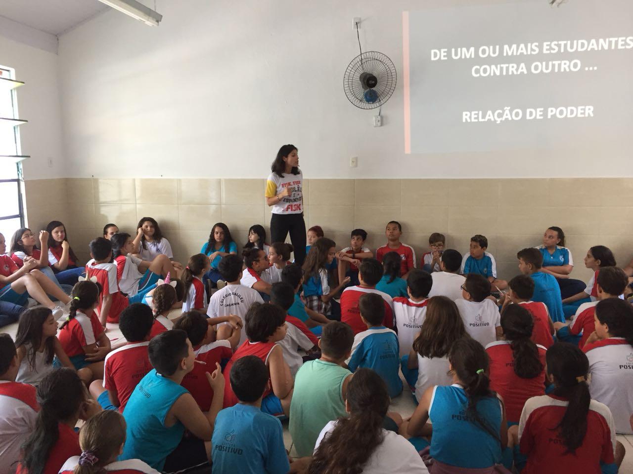 Fisk Taubaté/SP - Bate-papo com nossa equipe sobre bullying na escola parceira